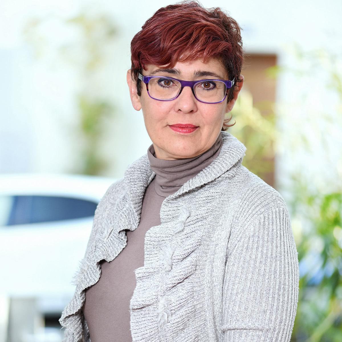 MMO Treuhand Basel Suzanne Mayenzet